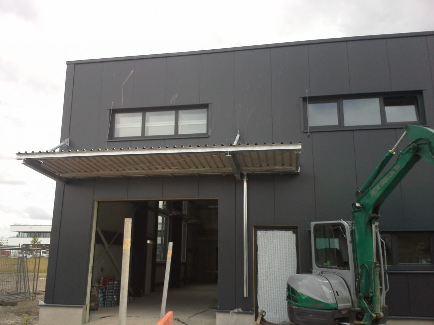 Schlosser- und Metallbauarbeiten-Vordach-SF-Bau