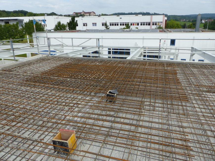SF-Bau-Decke über Obergeschossaus Betonhalbfertigteilen-Schlüsselfertigbau