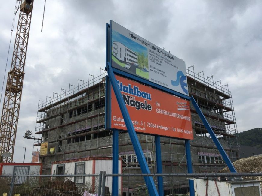 SF-Bau-Bauschild-Richtfest in Donzdorf-Schlüsselfertigbau