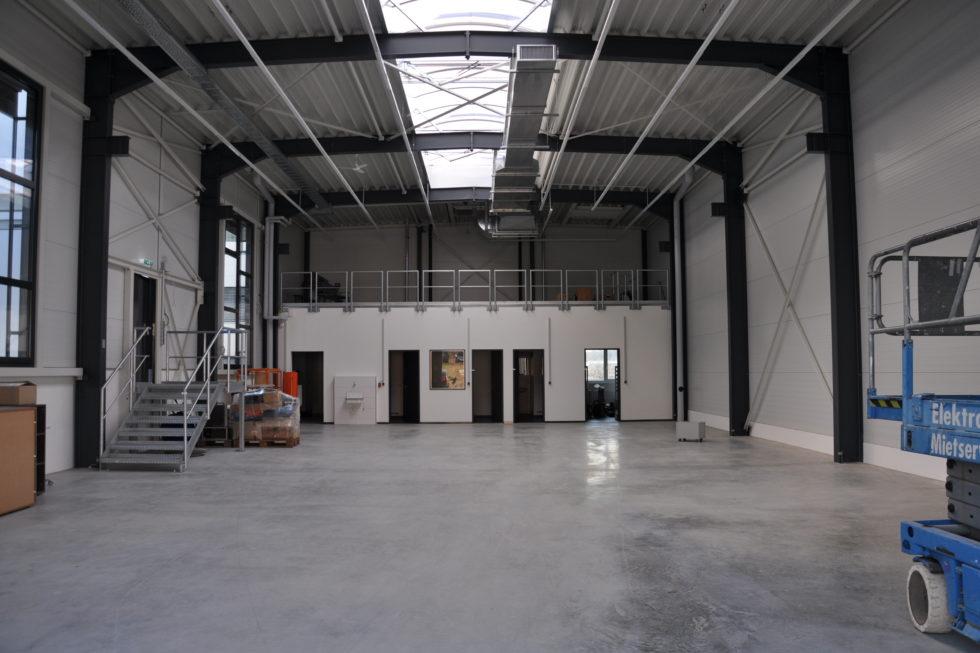 SF-Bau-Neubau Halle Innenansicht-Göppingen Stauferpark-Stahlbau-Schlüsselfertigbau