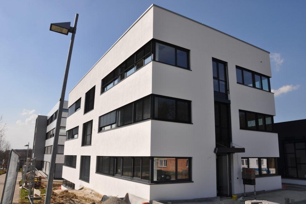 SF-Bau-Neubau Büro Fassade-Göppingen Stauferpark-Stahlbau-Schlüsselfertigbau