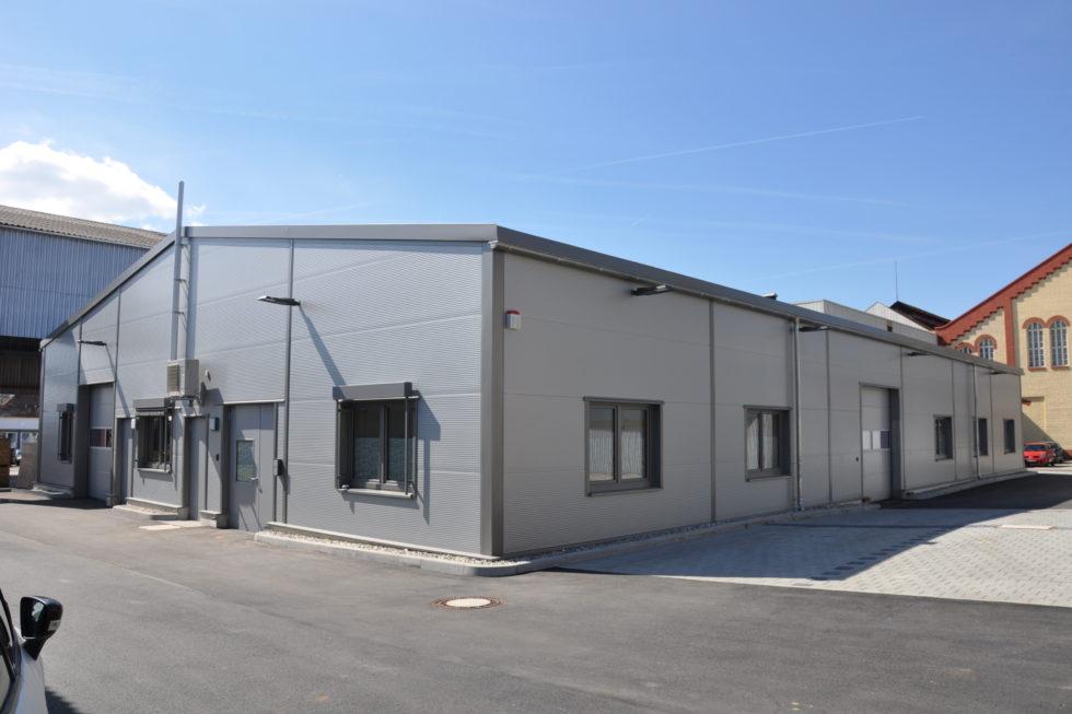 SF-Bau-Neubau Zustellstützpunkt-Süssen-Ansichten-Stahlbau-Schlüsselfertigbau