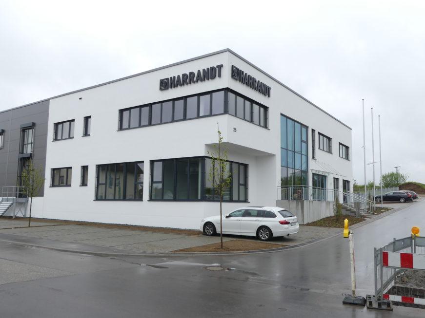 SF-Bau-Abnahme und Urkundenübergabe-Leutenbach-Bürogebäude-Stahlbau-Schlüsselfertigbau