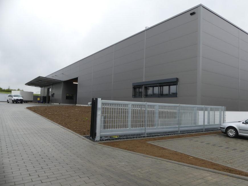 SF-Bau-Abnahme und Urkundenübergabe-Leutenbach-Fertigungs- und Montagehalle-Stahlbau-Schlüsselfertigbau
