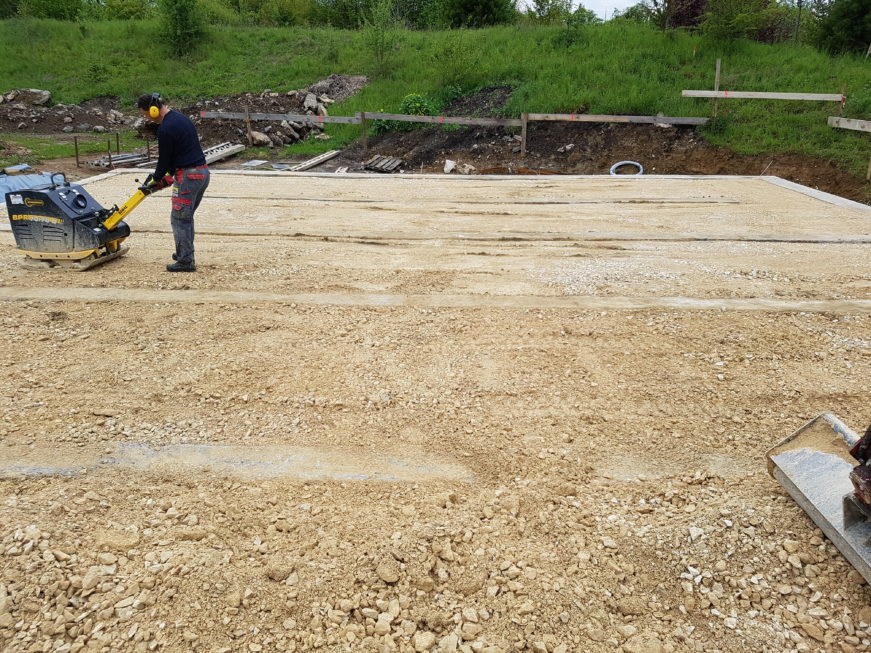 SF-Bau-Action auf dem Baufeld-Rohbauarbeiten-Erdbauarbeiten-Jebenhausen-Stahlbau-Schlüsselfertigbau