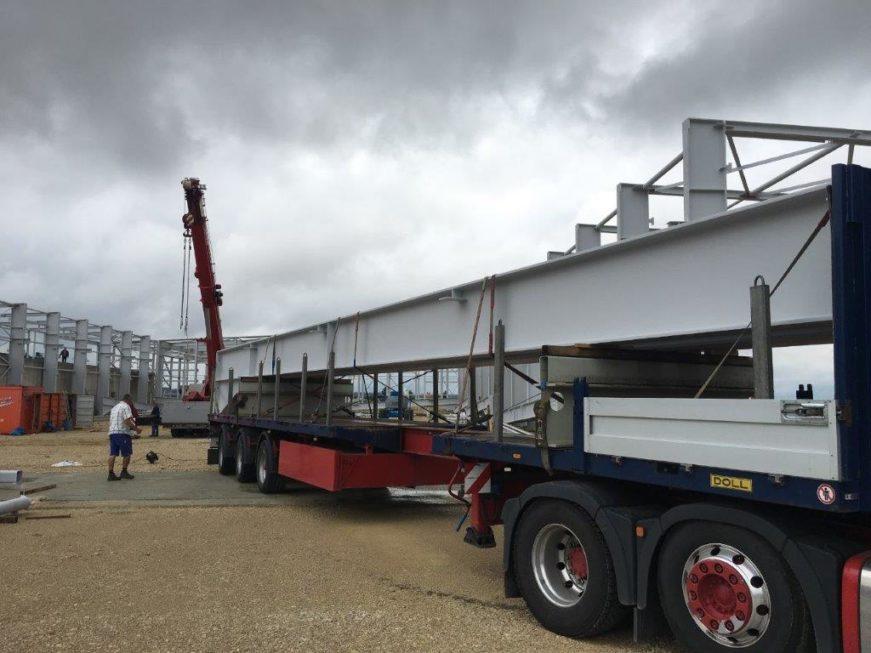 SF-Bau-Stellung Stahlkonstruktion-Anlieferung Träger-Stahlbau-Schlüsselfertigbau
