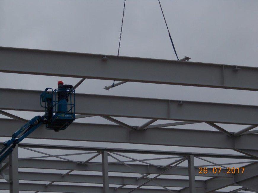 SF-Bau-Stellung Stahlgerüst trotz Dauerregen-Stahlbau-Schlüsselfertigbau
