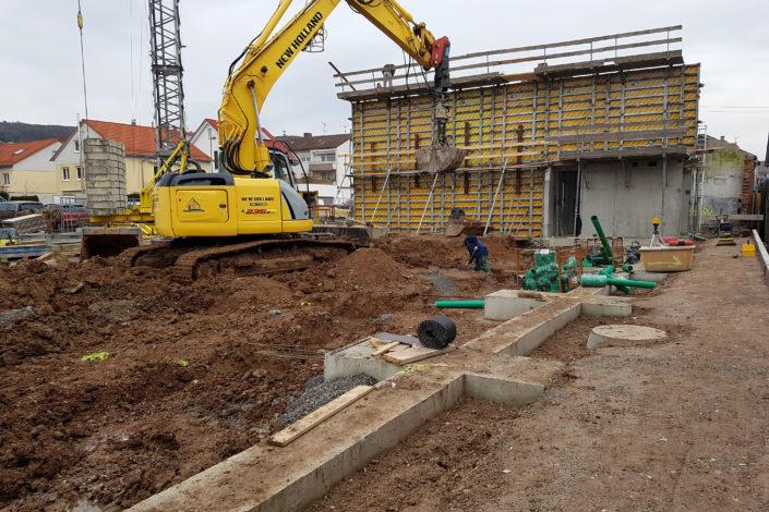 SF-Bau-Baubeginn-Arbeit am Fundament-Neubau Autohaus mit Werkstatt und Ausstellungshalle-Remshalden-Stahlbau-Schlüsselfertigbau