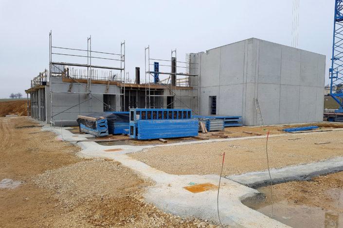 SF-Bau-gemauerte Büroräume-betonierte Decke-Neubau Autohaus mit Ausstellungsraum-Böhmenkirch-Stahlbau-Schlüsselfertigbau