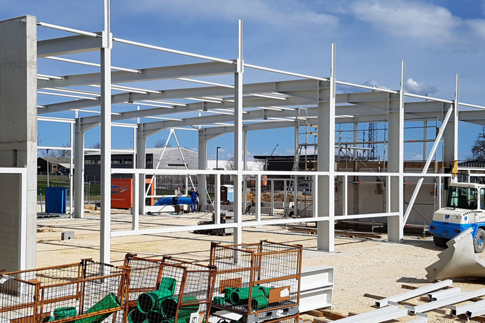 SF-Bau-Stahlbauarbeiten-Fundamente-Neubau Autohaus mit Ausstellungsraum-Böhmenkirch-Stahlbau-Schlüsselfertigbau