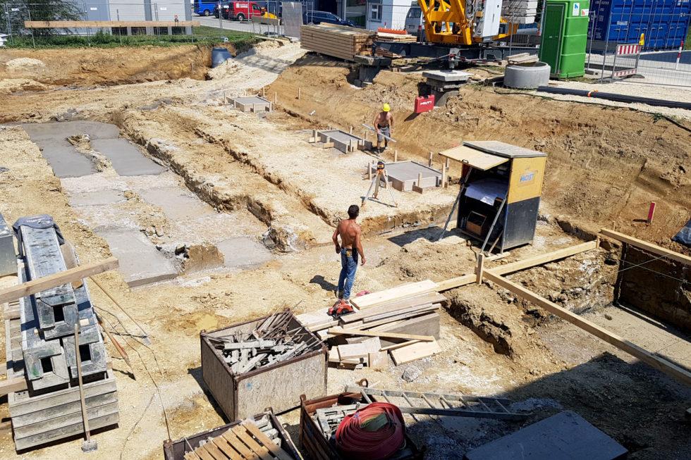 SF-Bau-Rohbauarbeiten und Fundamente-Erweiterung best. Halle mit Büro-Jebenhausen-Stahlbau-Schlüsselfertigbau