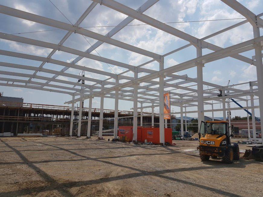 Bau-Stahlkonstruktion-Neubau Montagehalle mit Bürogebäude-Salach-Stahlbau-Komplettbau-Industriebau