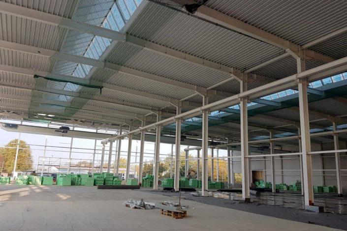 I-Bau-Stahlunterkonstruktion-Trapezblech-Neubau Montagehalle mit Bürogebäude-Salach-Stahlbau-Komplettbau-Industriebau