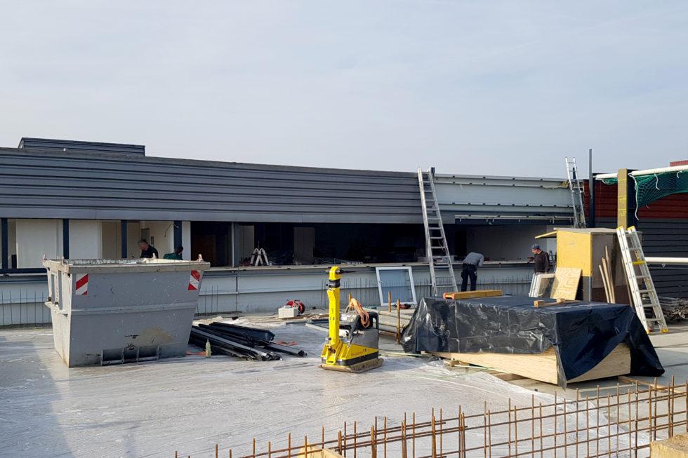 SF-Bau-Anschluss Neubau an Bestand-Erweiterung best. Halle mit Büro-Jebenhausen-Stahlbau-Schlüsselfertigbau