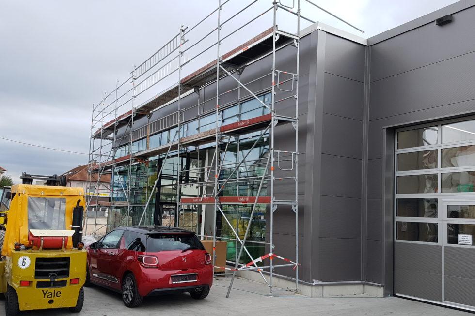 SF-Bau-Fassade und Dach-Neubau Autohaus mit Werkstatt und Ausstellungshalle-Remshalden-Stahlbau-Schlüsselfertigbau