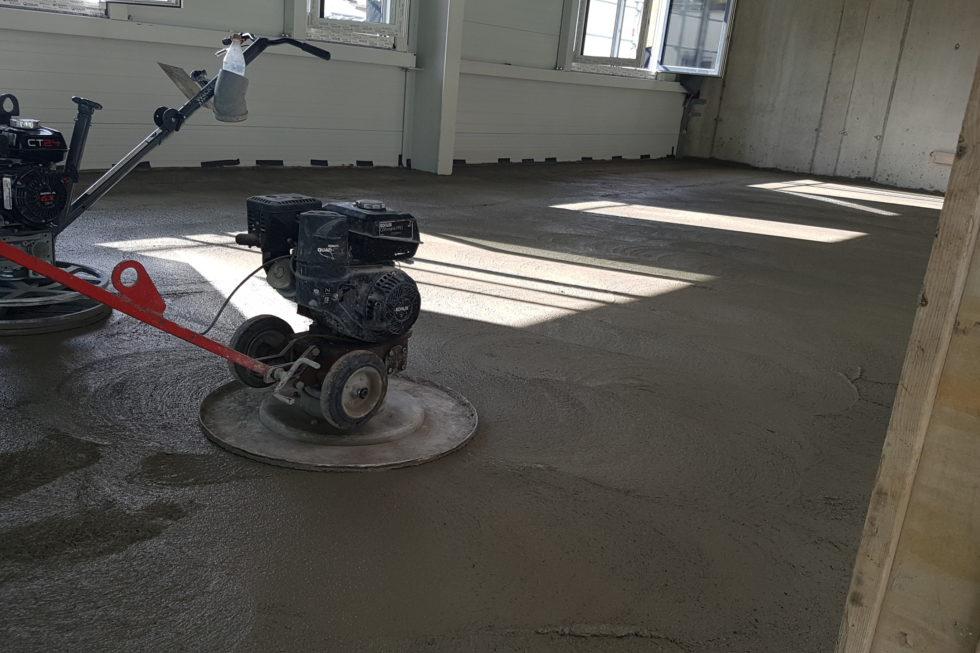 SF-Bau-Galerie betonieren-Neubau Autohaus mit Werkstatt und Ausstellungshalle-Remshalden-Stahlbau-Schlüsselfertigbau