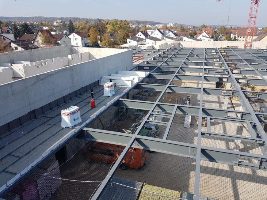 Stahlbau-Dachkonstruktion-Stahlbauarbeiten-Neubau Flagship Outlet Center-Metzingen
