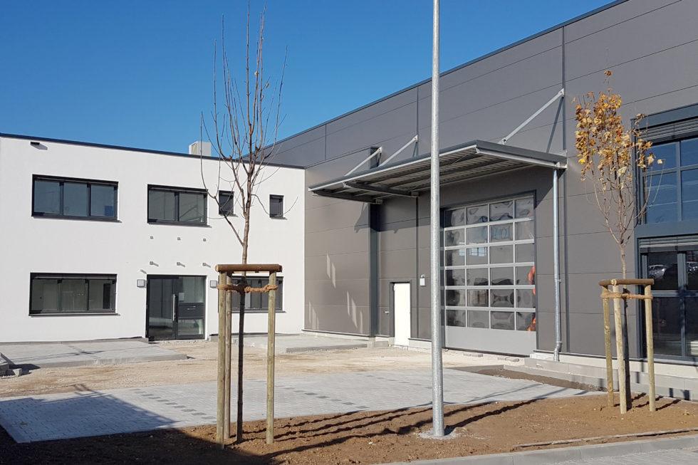 SF-Bau-Neuabu Produktionshalle mit Büro- und Sozialräumen-Kirchheim-Stahlbau-Schlüsselfertigbau