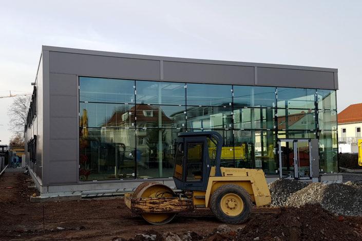 SF-Bau-Außenanlagen-Neubau Autohaus mit Werkstatt und Ausstellungsraum-Remshalden-Stahlbau-Schlüsselfertigbau