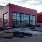SF-Bau-Außenanlagen-Glastreppe montieren-Anbau best. Halle-Zell-Stahlbau-Schlüsselfertigbau
