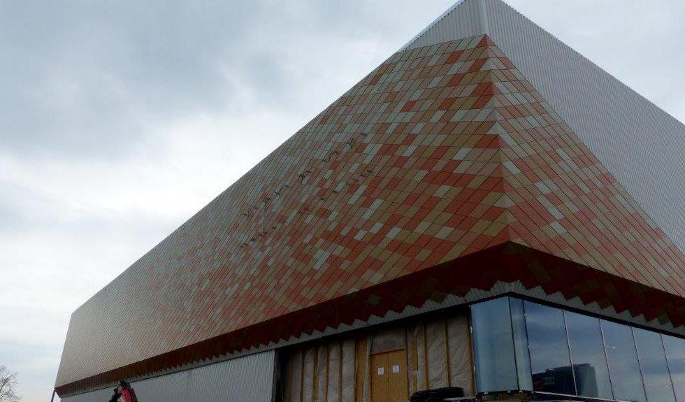 I-Bau-Schindelfassade-Neubau Möbelhaus-Heilbronn-Stahlbau-Komplettbau-Industriebau