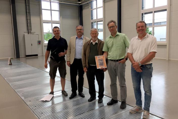 Abnahme und Urkundenübergabe-Erweiterung Halle mit Büro-Jebenhausen-Stahlbau-Schlüsselfertigbau