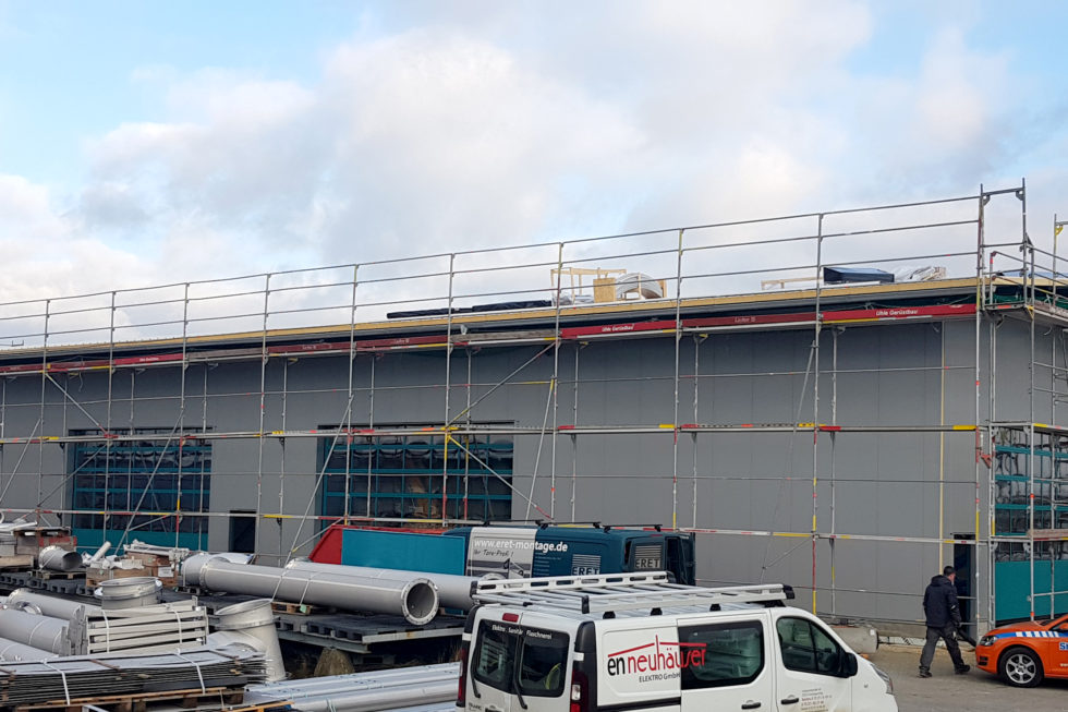 SF-Bau-Kran und Elektroarbeiten-Neubau Lagerhalle-Nellingen-Stahlbau-Schlüsselfertigbau
