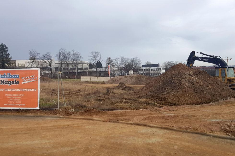 SF-Bau-Start Erdarbeiten-Neubau Produktionshalle mit Büro-Albershausen-Stahlbau-Schlüsselfertigbau