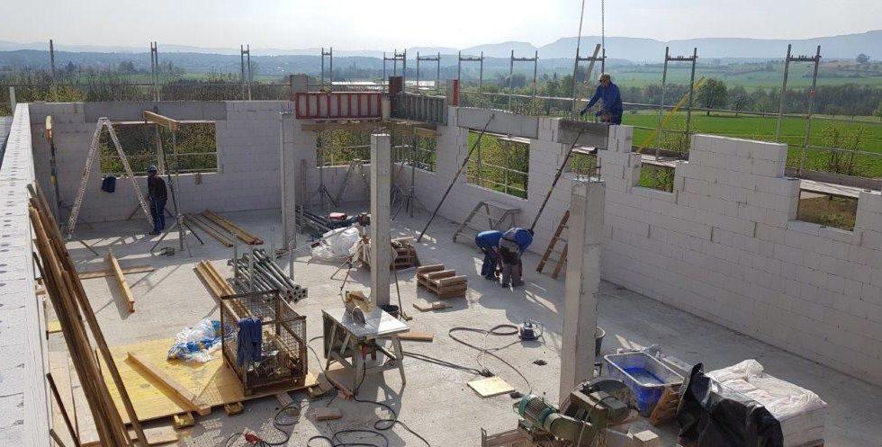 SF-Bau-Wände werden gestellt-Neubau Produktionshalle mit Büro-Albershausen-Stahlbau-Schlüsselfertigbau