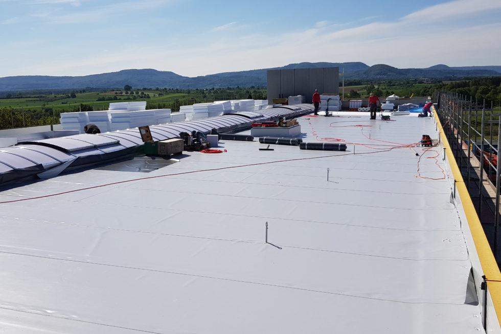 SF-Bau-Dacharbeiten-Neubau Produktionshalle mit Büro-Albershausen-Stahlbau-Schlüsselfertigbau