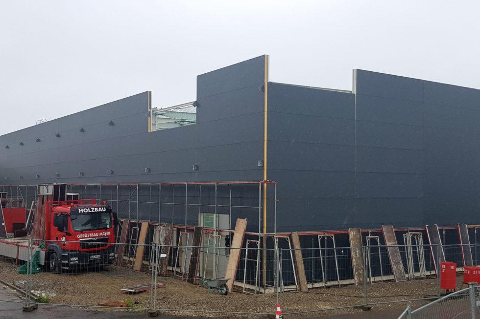 I-Bau-Beginn Gerüstbau und Trapezblechmontage-Anbau Logistikhalle-Illertissen-Stahlbau-Industriebau