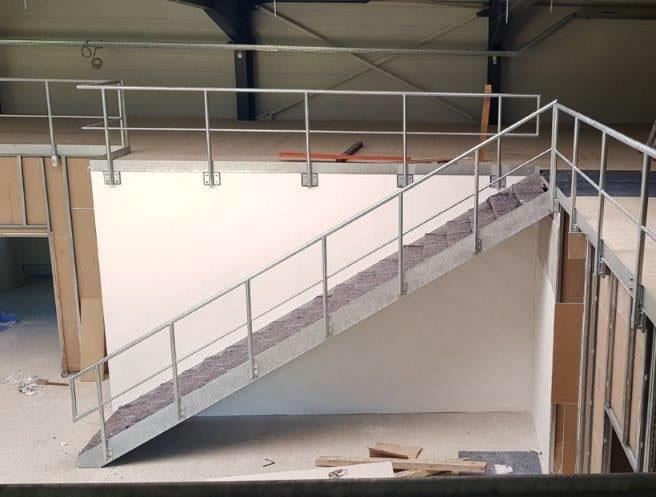 SF-Bau-Montage Innentreppe-Neubau Produktionshalle mit Büro-Albershausen-Stahlbau-Schlüsselfertigbau