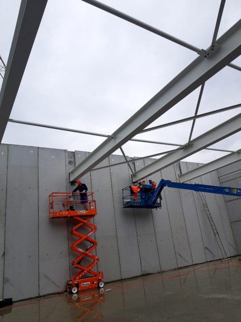 I-Bau-Projektstart-Montage Verbundträger-Neubau Getränkemarkt-Edeka-Göppingen-Stahlbauarbeiten-Stahlbau-Industriebau