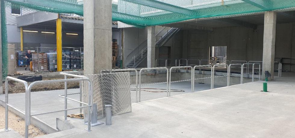 I-Bau-Schlosserarbeiten-Treppe-Geländer-Neubau Getränkemarkt-Edeka-Göppingen-Stahlbau-Industriebau