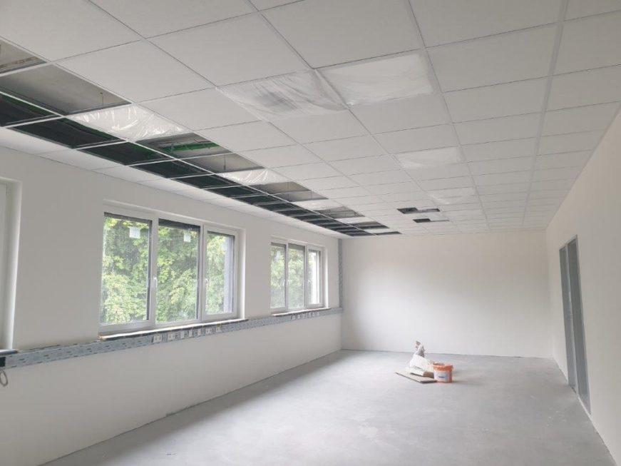 SF-Bau-abgehängte Decke-Neubau Produktionshalle 1 + 2, Bürogebäude und Außenanlagen-Kreeb Göppingen Stauferpark-Schlüsselfertig