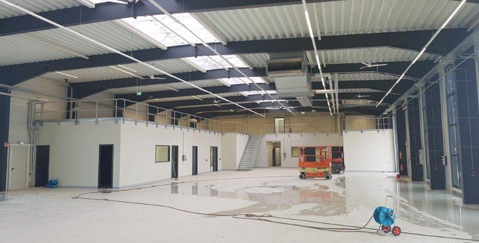 SF-Bau-Außenansicht-Neubau Produktionshalle mit Büro-Leutz Albershausen-Schlüsselfertigbau