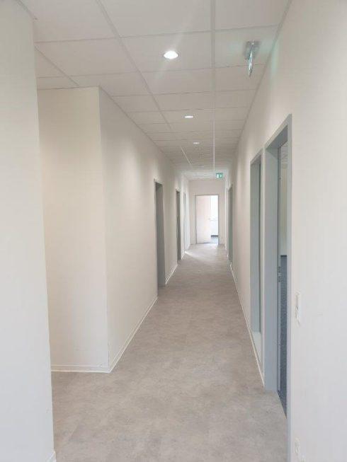 SF-Bau-Kreeb-Neubau Produktionshalle 1+2, Bürogebaude und Außenanlagen-Innenausbau-Göppingen Stauferpark-Schlüsselfertigbau