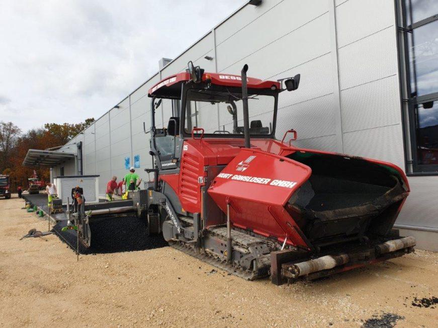 SF-Bau-Kreeb-Neubau Produktionshalle 1+2, Bürogebaude und Außenanlagen-Teerarbeiten-Göppingen Stauferpark-Schlüsselfertigbau
