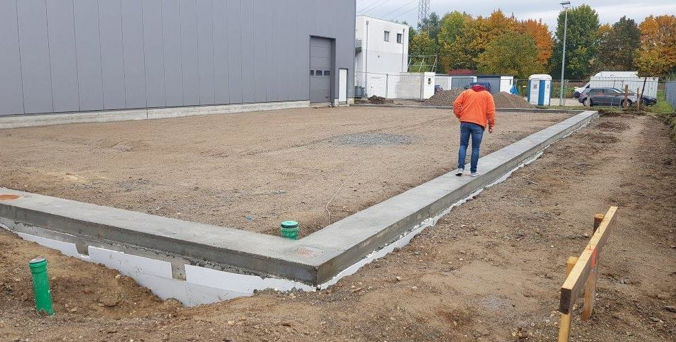 SF-Bau-Vorbereitungen Stahlbaumontage-Hallenerweiterung an bestehendes Gebäude-Unterensingen-Schlüsselfertigbau