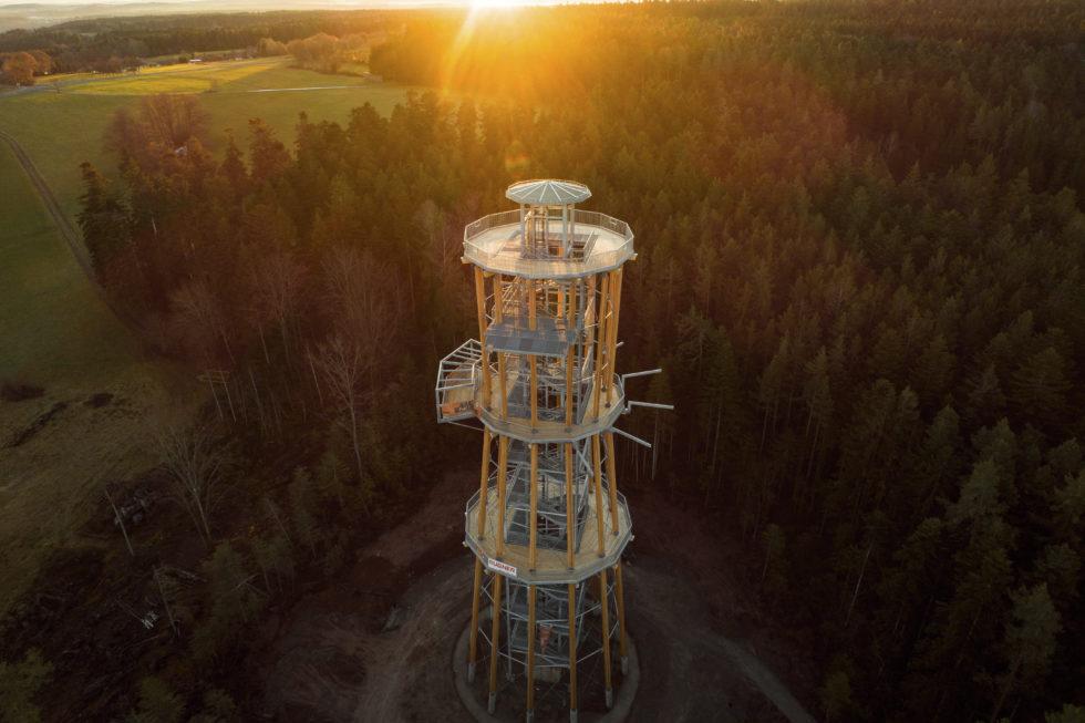 Stahlbau-Außenansicht-Neubau Aussichtsturm-Schömberg-Stahlbau