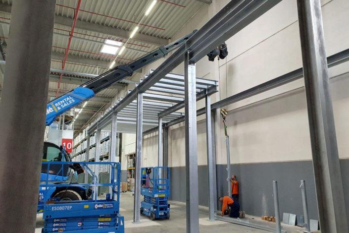 Stahlbau-Transport Stellung Stahlbau-Umbau Logistikzentrum-Wiesloch