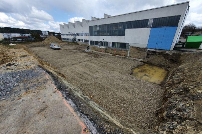SF-Bau-Aushubarbeiten-Erweiterung Produktionshalle-Weil der Stadt-Schlüsselfertigbau