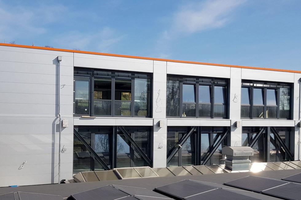 SF-Bau- Ostseite abgerüstet-Erweiterung Büro Werk I-Eislingen-Schlüsselfertigbau