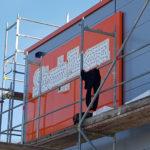 SF-Bau-Aufbau Werbeanlage Westseite-Erweiterung Büro Werk I-Eislingen-Schlüsselfertigbau