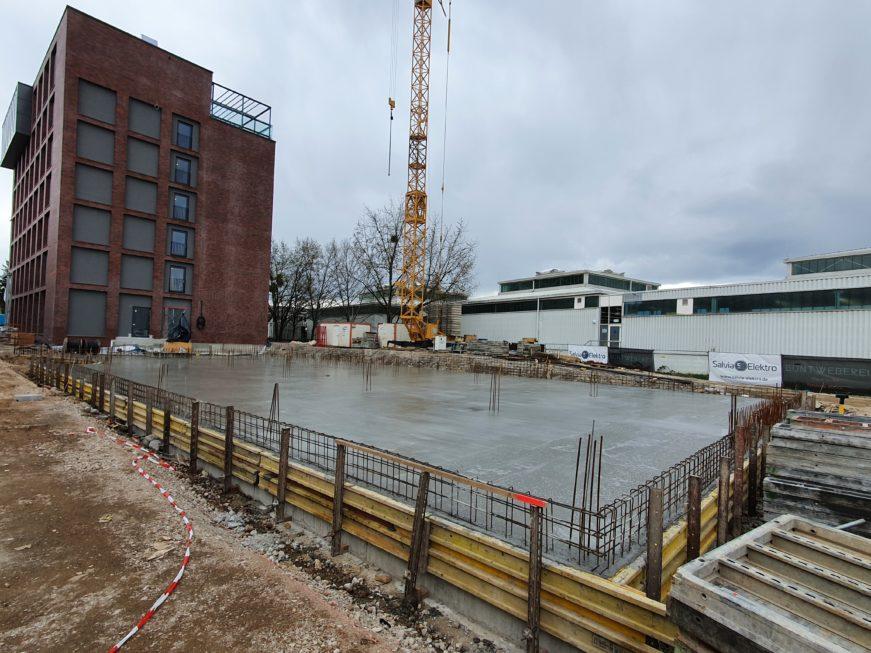 SF-Bau-Bodenplatte betoniert-Neubau Fitness und Werkstatt-Eislingen-Schlüsselfertigbau